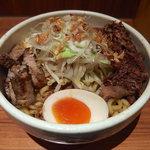 汁なし破顔 - 牛すじ汁なし・大盛・ニンニク(700円)+肉増し(150円)