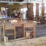 3940089 - 店中の様子ですテラス席もありオープンスペースのレストランとなってます