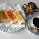 とーくコーヒーハウス - 料理写真:モーニングセット430円(税込)