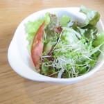 カクルル - ランチC:豚の梅しそ丼、サラダ、アイスコーヒー3