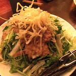 39401640 - お通しのサラダです。まんま屋汁べゑとは違うサラダでした。                       オニオン系のドレッシングで美味しかった~。