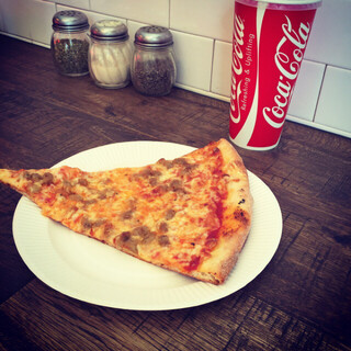 ピザ スライス - イタリアンソーセージピザ