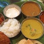 39408054 - 中野の南インド料理の老舗                       まんま、南印度ダイニング\(^o^)/                       ミールスは、ヘルシーで腹持ちするし\(^o^)/                       ご馳走さま\(^o^)/