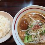 らー麺 あけどや - あじ玉胡麻味噌麺とライス