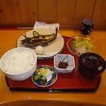 食と肴うおもと - 料理写真:自家干しいわし開き860円