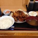 福徳食堂 - 2015/06 500gの鶏唐揚げなんです!