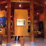 海の宇宙館 喫茶コーナー - 展示品も見ごたえあります