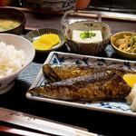 やよい食堂 - 日替わり定食、秋刀魚の塩焼き。
