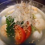 薔薇果 - 海鮮冷麺