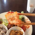 カメイノ食堂 - チリソース味に包まれていたのは揚げ豆腐でした!