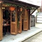 チョップスティックス - この開放感が、タイの屋台料理の醍醐味?