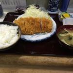 ちば - 料理写真:とんかつ定食 ¥750