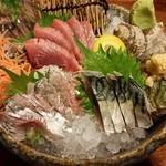 39419782 - 青魚3点盛り(あじ・カツオ・〆サバ)1100円