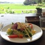 セント シュバイン - 2015年6月:Grillセット(\1900)…景色を見ながらいただくサラダは格別