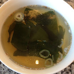 大倉山 - 焼肉ランチのスープ しっかりしたお味のワカメスープ