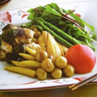 滋賀の料亭招福楼で修業した二代目が織りなす多種多彩な料理。