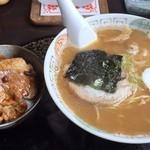 39423337 - らーめんセット@990円(なると醤油&ミニ豚丼)