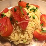 Osteria UVA RARA - トマトのカッペリーニ