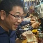 大衆割烹 善甚 - 至福の笑顔の同僚と日本酒