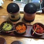 鯉ひろまつ - ★酢味噌 辛味噌の2種類 ★薬味の3種は味噌に混ぜて・・