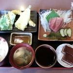 加喜丸 - 料理写真:ランチ天婦羅定食、コーヒーまたは紅茶が付いて¥1080(税込)