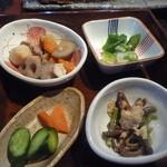 米寿 - これだけの小鉢がつきます!