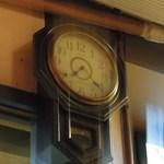 飛車角 - そろそろお時間!(時計がボケてるんではなく手ぶれ!)