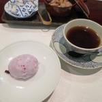 割烹 新多久 - ブルーベリーと杏仁のアイス コーヒー