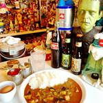 ペッパーズ ドライブイン - 不思議な空間で食べるカレーなのです!