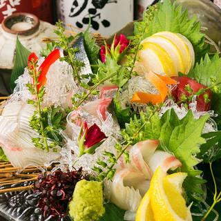 【コース】目で見て舌で味わう多彩なコース料理