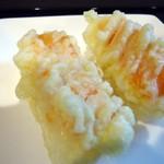 仁助 - たまたまサービスで頂いた「鱒の寿司」の天ぷら。