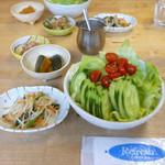 ライズ - ランチのセットのサラダと小鉢