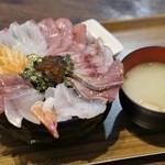 海鮮丼てんや - 料理写真:
