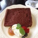 備屋珈琲店 - シフォンケーキセットのチョコ風味シフォンケーキ