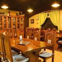 全26席完備。テーブル席でゆったり季節の料理をお楽しみください。