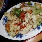 四川料理龍一番 - 本日のランチの回鍋肉 やや、肉が少なめ(笑) 皿に油が多し。