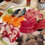 咲村 - 新鮮な刺身盛り合わせ