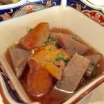 咲村 - こんにゃくとさつま揚げの煮物