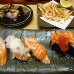 39456516 - サーモン五点盛り、活さざえ、白エビの天ぷら