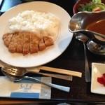 あかしあ亭 - 料理写真:かつカレー