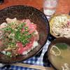 ツナバ - 料理写真:マグロ丼定食650円。 ビジュアルだけでもコスパの良さがうかがえます。