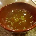 万世麺店 - チャーハンのスープ