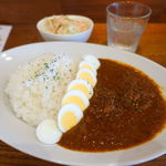 獣 27 - 絶品カレー(チキン) 750円 + ゆで卵 100円