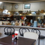 39476638 - テーブル席から厨房方向