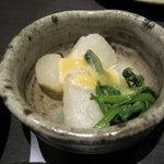 やじろべえ - お通しの野菜味噌