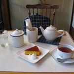カフェホーム - かぼちゃプリンと紅茶(ケニア)(2015.06)