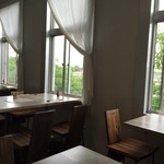 チャラン・ポラン - 窓の向こうは赤レンガ倉庫