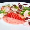 ヴォーシエル - 料理写真:地産地消の傑作『駿河湾産金目鯛のカルパッチョ』はイチゴと共に