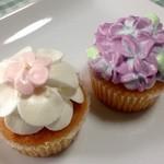 モイッカ - 料理写真:バニラ味カップケーキ・あじさいカップケーキ
