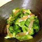 ブロッコリーとアスパラの粗塩サラダ